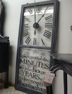 Идеи декора из старых оконных рам - оригинальные часы