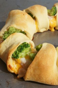 "Chicken Broccoli Crescent Roll Recipe - so easy and SO good. this is an easy recipe to convert to healthy! ""Easy and yummy! Think Food, I Love Food, Good Food, Yummy Food, Tasty, Healthy Snacks, Healthy Eating, Healthy Recipes, Simple Recipes"