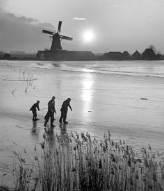 Skating , about 1956 Holland. photo: Kees Scherer