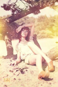 Model : Laura Theys  Photographer : Mehdy Nasser .be