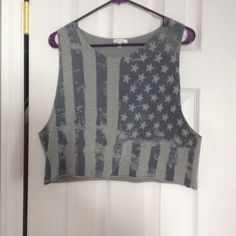 Grey American flag crop top This perfect for a festival or just hanging out. Has a grunge boho look that someone is going for. Very soft. Tops Crop Tops