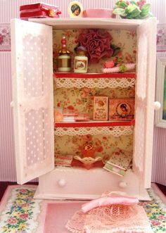Miniature bedroom hutch
