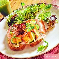 I just try out a #prisma filter with instagram #calderon together. The result is this awesome #breakfast #sandwich with #cornsalad & #greensmoothie #foodpic. This is the greatest #summer #green #healthybreakfast. ☀️ Have a nice #warmday!  #foodblogger #foodlover #prismafood #nutrition #nourish #tasty #smoothie #veggie #salad #fitbody #healthyliving #eatclean #cleaneating #lowgidiet #nashdiet #nutritious #recipe #nourishyourself #nourishcookrecipes