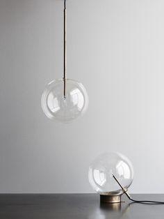 Bolle lampada single pendant: ø25 – 4.200 dkk Bolle lampada table lamp: ø30 27h – 4.950 dkk