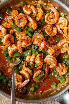 Shrimp and Green Peppers Skillet Spicy Shrimp and Green Peppers Skillet - Super quick and easy to make and loaded with flavor!Spicy Shrimp and Green Peppers Skillet - Super quick and easy to make and loaded with flavor! Spicy Shrimp Recipes, Fish Recipes, Seafood Recipes, Mexican Food Recipes, Dinner Recipes, Cooking Recipes, Healthy Recipes, Quick Food Recipes, Shrimp Meals