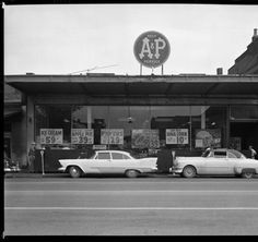 A&P Supermarket 123 East Jefferson St. Louisville, Ky., 1959 :: Royal Photo Company Collection