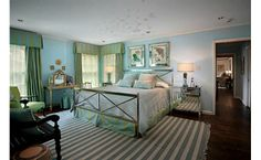 Guest room in blue and green