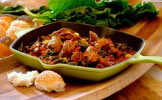 Spicy chicken livers are delicious and are great served with toasted bread rolls! Chicken Liver Recipes, Turkey Recipes, Dinner Recipes, Clean Chicken, Chicken Spices, Spinach Recipes, Healthy Recipes, Bariatric Recipes, Delicious Recipes
