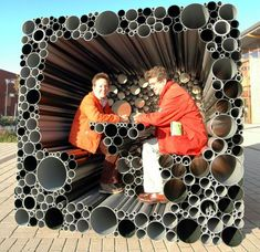 PVC pipes form an interactive pavilion for children to play - Designbuzz - - Netherlands-based Hoogte Twee Architecten explores the idea of using PVC pipes as a hollow building stone to construct an interactive pavilion of children. Atelier Architecture, Architecture Design, Parametric Architecture, Temporary Architecture, Futuristic Architecture, Urban Furniture, Street Furniture, Weird Furniture, Industrial Furniture