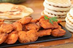 Chicken Nuggets - The chicken breast is super tender, crispy and golden Chicken Spices, Rotisserie Chicken, Pale Ale Beers, Chicken Nuggets, No Bake Cake, Kids Meals, Cake Decorating, Food And Drink, Baking Cakes