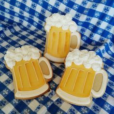 Great beer mugs. Didn't get the name of the decorator, so if it is you, let me know!