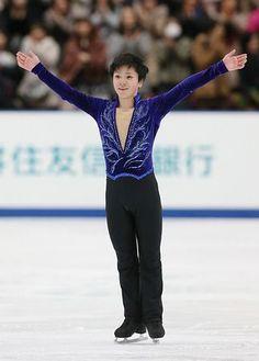 男子ショートプログラムの演技を終え、笑顔の宇野昌磨=26日、長野市のビッグハット ▼26Dec2014時事通信|17歳宇野、自分に厳しく=SP3位も満足せず-全日本フィギュア http://www.jiji.com/jc/zc?k=201412/2014122600783 #Shoma_Uno #Big_Hat_Nagano #Japan_Figure_Skating_Championships_2014 ◆Japan Figure Skating Championships - Wikipedia http://en.wikipedia.org/wiki/Japan_Figure_Skating_Championships