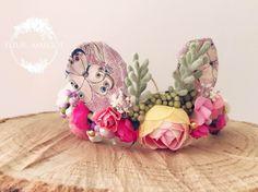 Tieback bébé mini bunny ears rose fruitée nature ,photoprop de la boutique FleursMargot sur Etsy