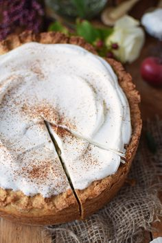 apple cake with cinnamon