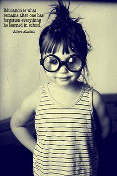 hey little girl black-and-white I Smile, Make Me Smile, Cute Kids, Cute Babies, Hey Little Girl, Hey Girl, Kind Photo, Perfect Photo, Big Glasses