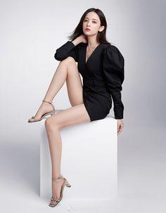 Beautiful Young Lady, Beautiful Girl Image, Beautiful Asian Women, Beauty Full Girl, Beauty Women, Colorful Fashion, Asian Fashion, Fashion Models, Girl Fashion