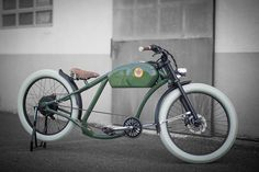 Oto Cycles Vintage Style Electric Bicycles -This is my fave. There are so many color options, how do I choose?