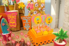 festinha-surf-rosa-laranja-azul-decoracao-caraminholando-07