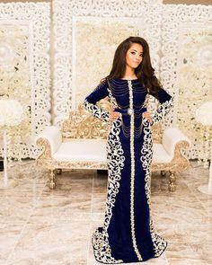 Dress by @bmc.bruidsmeisjes || @studionaima #caftan#takshita#beldi#maroc#mariage#mariagemarocain#morocco#maghreb#marieemarocaine#marocfashion#maroccaftan#marocain#marocaine#maghrebia#caftanbladi#morocco#maroctradition#caftanmarocain#takshitafashion#caftanmaroc#caftanfashion#moroccanbeauty#maghreboriental#femmemarocaines#maghreborientalluxury