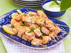 Lättlagad buffé till sommarens alla fester recept | Allas Recept Cooking Tips, Great Recipes, Potato Salad, Shrimp, Food And Drink, Turkey, Appetizers, Menu, Snacks