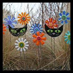 I have a special place in my heart for the black cats but I love this idea for my garden!