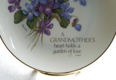 Vintage Collector's Plate A Grandmother's by RinnovatoVintage