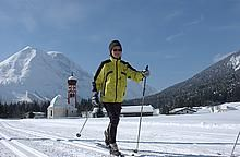 Winter holidays in Austria for skiers and non-skiers. Book with Inntravel to enjoy the magic of winter from hand-picked hotels in charming villages. Winter Walk, Winter Snow, Winter Holidays, Cross Country Skiing, Austria, Mount Everest, Mountains, Onion, Zugspitze
