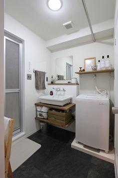 LAVATORY/POWDERROOM/TOILET/洗面室/トイレ/洗面器/フィールドガレージ/FieldGarage INC./リノベーション Bathroom Toilets, Washroom, Small Bathroom, Condo Design, Interior Design, 1 Bedroom Apartment, Ideal Home, Home And Living, Laundry Room