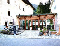 Colani, Hotels, Luxury