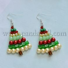 Beaded Christmas Tree Jewelry - New Ideas Beaded Crafts, Wire Crafts, Jewelry Crafts, Christmas Tree Earrings, Beaded Christmas Ornaments, Diy Ornaments, Angel Ornaments, Felt Christmas, Glass Ornaments