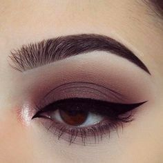 Burgundy eye look with Tarte Tarteist Pro Palette. Makeup | brown eyes | affordable | easy