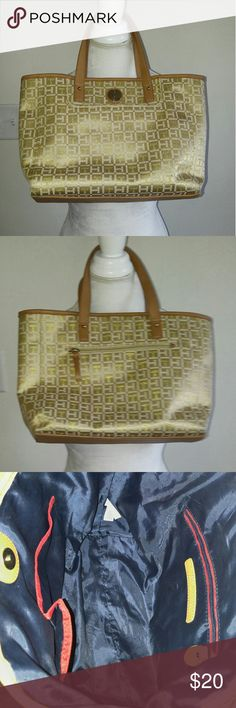 Gold and cream Tommy Hilfiger tote Gold and cream Tommy Hilfiger tote. Great condition outside and inside Tommy Hilfiger Bags Totes