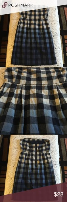Ombré Gap Strapless Dress Super cute for summer. Pockets. Ombré gingham print. Size 4.Great used condition. Smoke free home. GAP Dresses Strapless