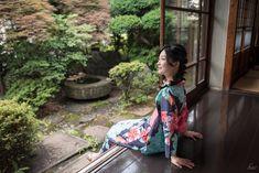 Smile Photo, Inspirational Photos, Japanese Style, Backgrounds, Hairstyle, Mood, Landscape, Architecture, Fashion