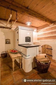Ateliér Gabryš - Kuchyně Stair Shelves, Old Kitchen, Wooden House, Home Fashion, Natural Living, Cabin, Rustic, Mansions, House Styles