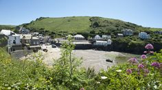 We love Port Isaac - a traditional fishing village with fab restaurants! #portisaac #nathanoutlaw #cornwall #seaviews