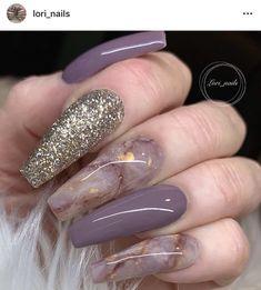 Nail art Christmas - the festive spirit on the nails. Over 70 creative ideas and tutorials - My Nails Glam Nails, Fancy Nails, Marble Nail Designs, Nail Art Designs, Marble Nail Art, Nails Design, Gorgeous Nails, Pretty Nails, Milky Nails