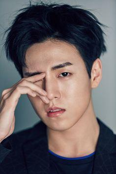 Lee Hyun Woo | 이현우 | D.O.B 23/3/1993 (Aries)