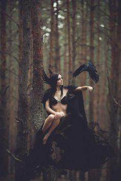Morrigan - Maryna Khomenko - Black crow
