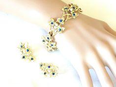 Vintage Coro Rhinestone & Faux Pearl Bracelet and Earring Set Blue…