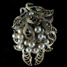 Vintage, Ornate Faux Pearl Dress/Fur Clip – Possible Miriam Haskell