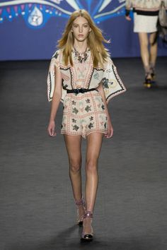 52 photos of Anna Sui at New York Fashion Week Spring 2015.