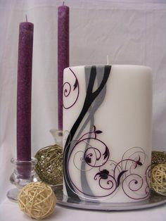 *Verspielt-elegeante Hochzeitskerze für Ihren schönsten Tag im Leben...*  *Motiv:* Wachslege- und Acryltechnik  *Motivfarbe:* individuell nach ...