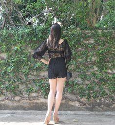 Blog Caca Dorceles. 2016. Meu Look: Macaquinho de Renda. Helô Rocha lace playsuit + Luiza Barcelos shoes + Serpui bag.