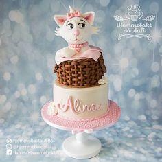 cat birthday cake Birthday Cake For Cat, Sugar Art, Desserts, Food, Decorating Cakes, Fondant Cakes, Postres, Deserts, Hoods