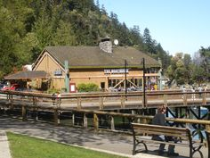 The Boathouse,                           Horseshoe Bay, West Vancouver ©
