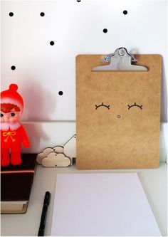 #Happy #clipboard klembord A4 21,5 x 30,5 from www.kidsdinge.com www.facebook.com/pages/kidsdingecom-Origineel-speelgoed-hebbedingen-voor-hippe-kids/160122710686387?sk=wall http://instagram.com/kidsdinge #Kidsdinge #Toys #Speelgoed