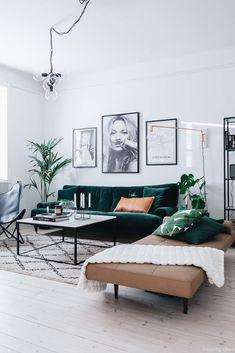 Furniture Living Room : Sanki tabiattan bir parça siyah kahverengi ve yeşil uy. - Furniture Living Room : Sanki tabiattan bir parça siyah kahverengi ve yeşil uyumu Like part of na - Home Living Room, Interior Design Living Room, Living Room Designs, Living Room Green, Modern Living Room Furniture, Modern Room, Furniture Chairs, Living Room Decor Green Couch, Furniture Plans