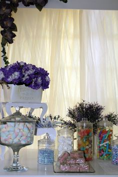 Mesas de dulces, mesas de aperitivos y botanas, mesas delicatessen, estación de bebidas & photo booth