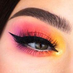 Makeup Tips Eyeshadow, Pink Eye Makeup, Edgy Makeup, Makeup Eye Looks, Eye Makeup Steps, Beautiful Eye Makeup, Eye Makeup Art, Colorful Eye Makeup, Colorful Eyeshadow